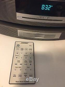 Bose Wave Music System AWRCC1 AM/FM Radio withBose Multi CD Changer & Large Remote