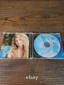 Taylor Swift Self-Titled Deluxe Ltd Edition CD/DVD TARGET 2007 with3D Lenticular