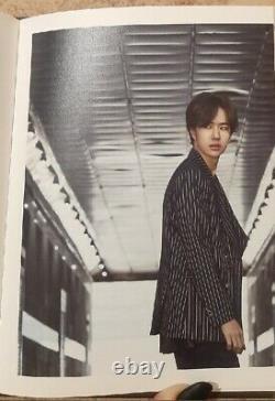 UNIQ EOEO 1st Mini Album without a card